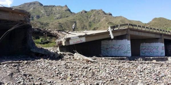 غارات سعودية تدمر حفاراً للمياه وجسراً بصعدة