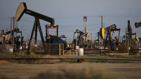 النفط يرتفع مع تفوق أثر عقوبات إيران على مخاطر الطلب