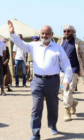الحسن الطاهر: ايران ارسلت مستشارين للحديدة.. والقوات المشتركة باشرت التحرير ولن تستسلم للضغوطات