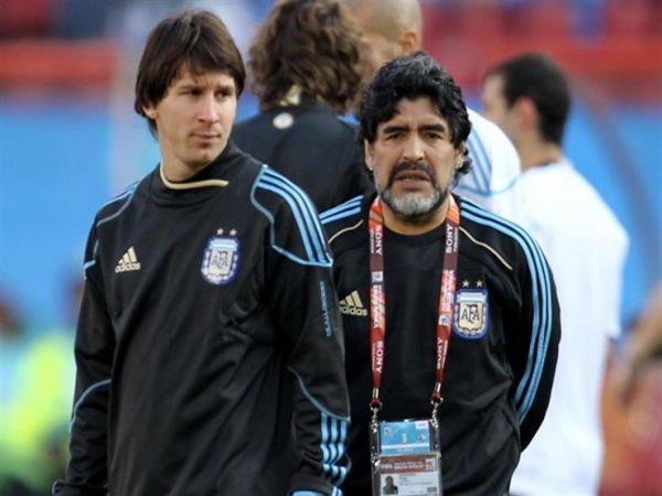بداية صراع بين أسطورتي الأرجنتين.. معسكر ميسي يرد على مارادونا