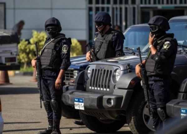 الشرطة المصرية تداهم &#34كهف الإرهابيين&#34 وتقتل عددا منهم