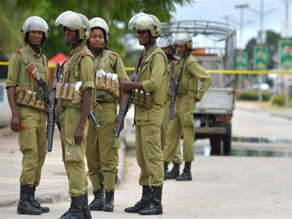 """تنزانيا تعتقل 104 أشخاص بتهمة التخطيط لإقامة """"معسكرات متطرفة"""" في موزامبيق"""