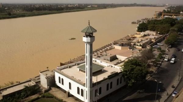 صور: وجه النيل &#34بني مصفر&#34