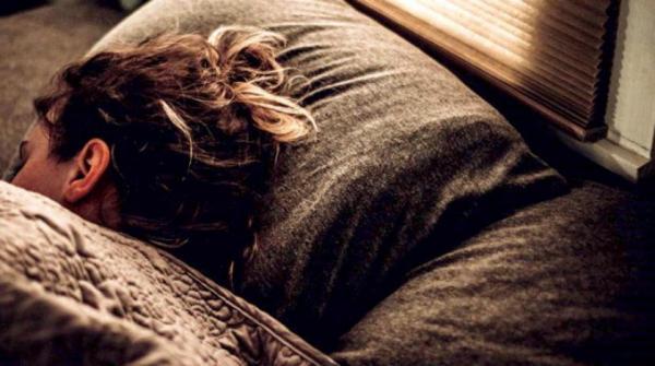 النوم يقوم بغسيل الدماغ من النفايات