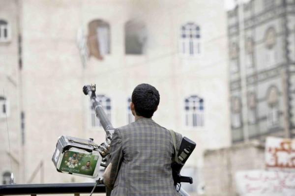 مليشيات الحوثي تعتقل ضابطاً في البحث الجنائي بصنعاء