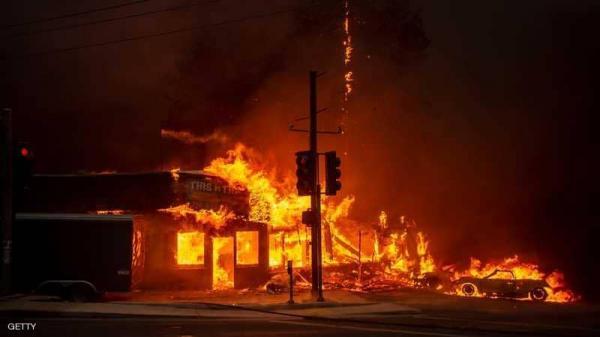 ما السر وراء اندلاع الحرائق في كاليفورنيا كل عام؟