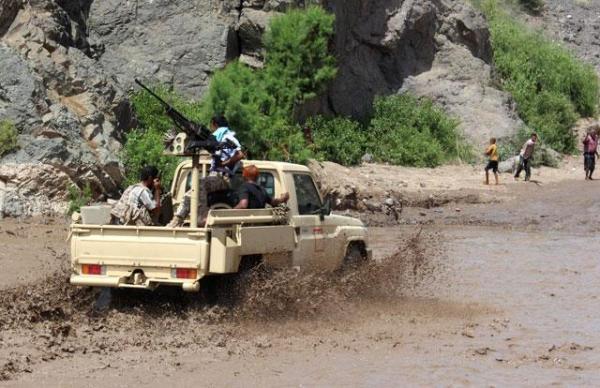 تعرض أطقم عسكرية تابعة للواء 35 مدرع لكمين مسلح بلحج وإصابة عدد من أفراده