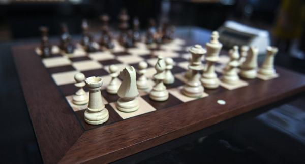 كبار لاعبي الشطرنج يقاطعون بطولة العالم في السعودية