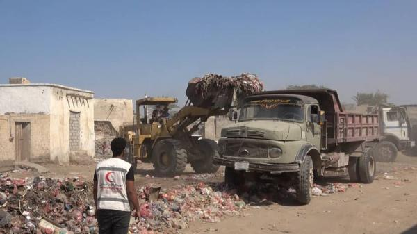 الهلال الإماراتي يدشن حملة النظافة الشاملة بمدينة الخوخة