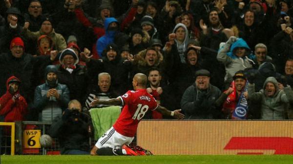 مانشستر يونايتد يهزم برايتون بشق الأنفس بفضل هدف عكسي