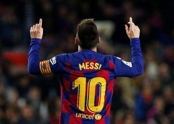 ميسي يسجل ثلاثية في فوز كبير لبرشلونة على ريال مايوركا