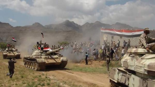 القوات الحكومية تقصف تعزيزات حوثية في دمت الضالع