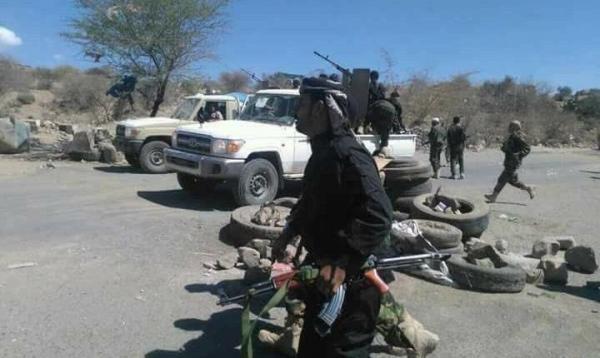 """مواجهات شرسة في الفاخر وجبهتي بتار والجُب بعد محاولة الحوثيين الزحف نحو موقع """"الحَرة"""""""