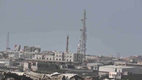 قذائف الحوثي تستهدف قرى مأهولة في الدريهمي جنوب الحديدة